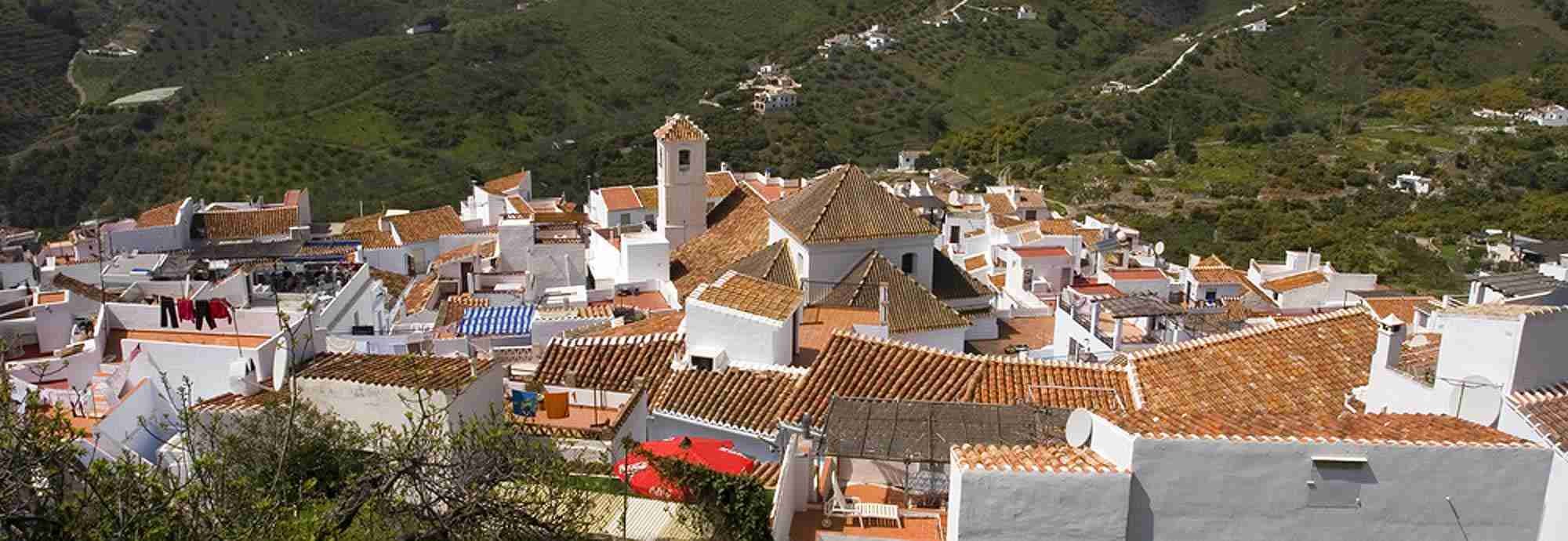 Walk into village or town Holiday  Villas in Axarquia with Wifi