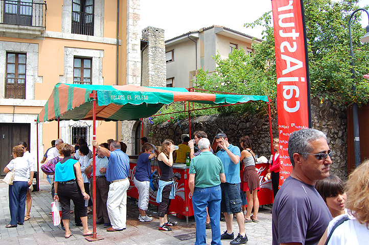Cheese fair in Llanes, Asturias