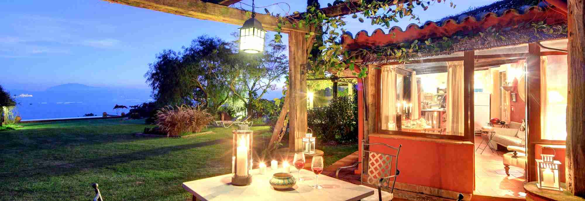 Cliff cottage with Africa view, marvellous gardens, WiFi and pool