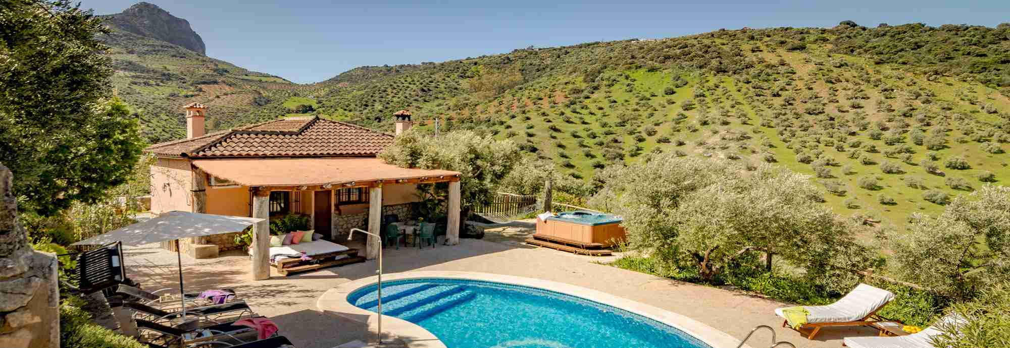 Wonderfully private rural villa with views, pool and WiFi near Ronda