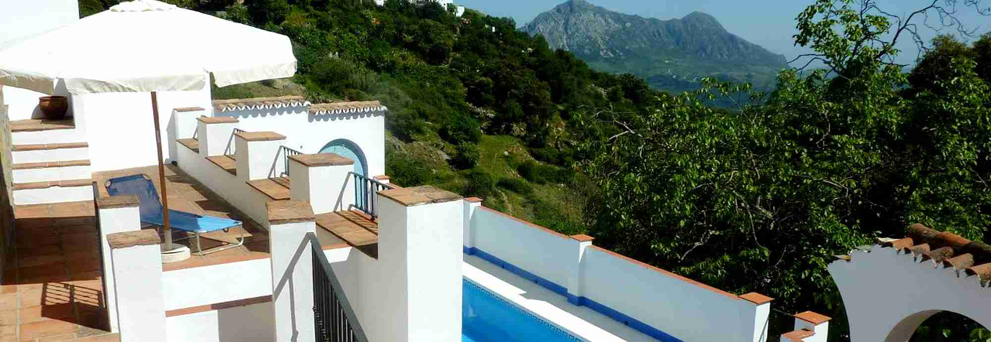 Cheerful village house with Mediterranean views and pool in Gaucin