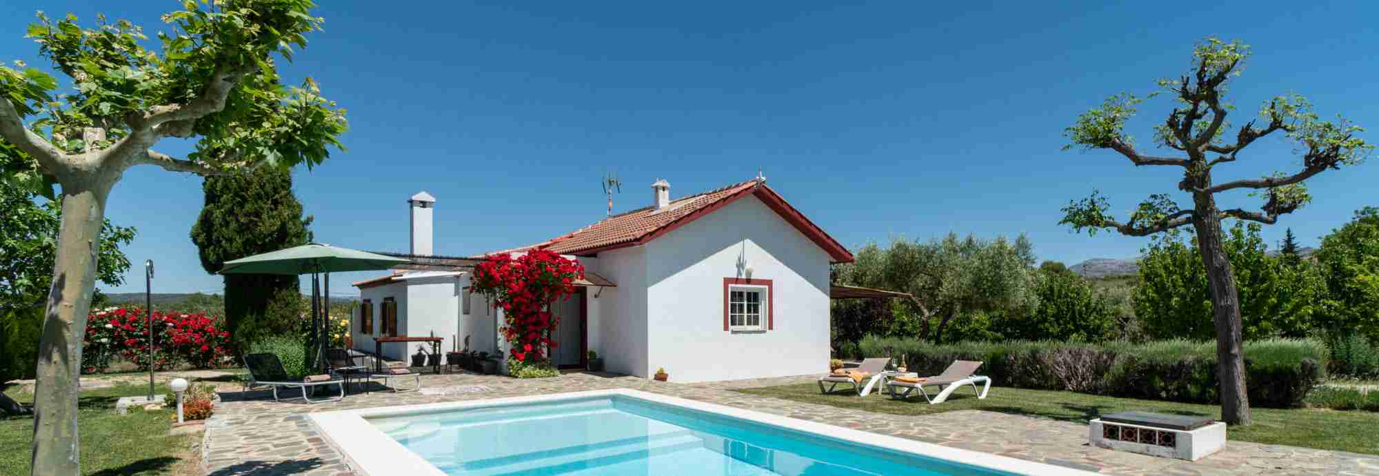 Private 2 bedroom country villa with pool and garden very close to Ronda