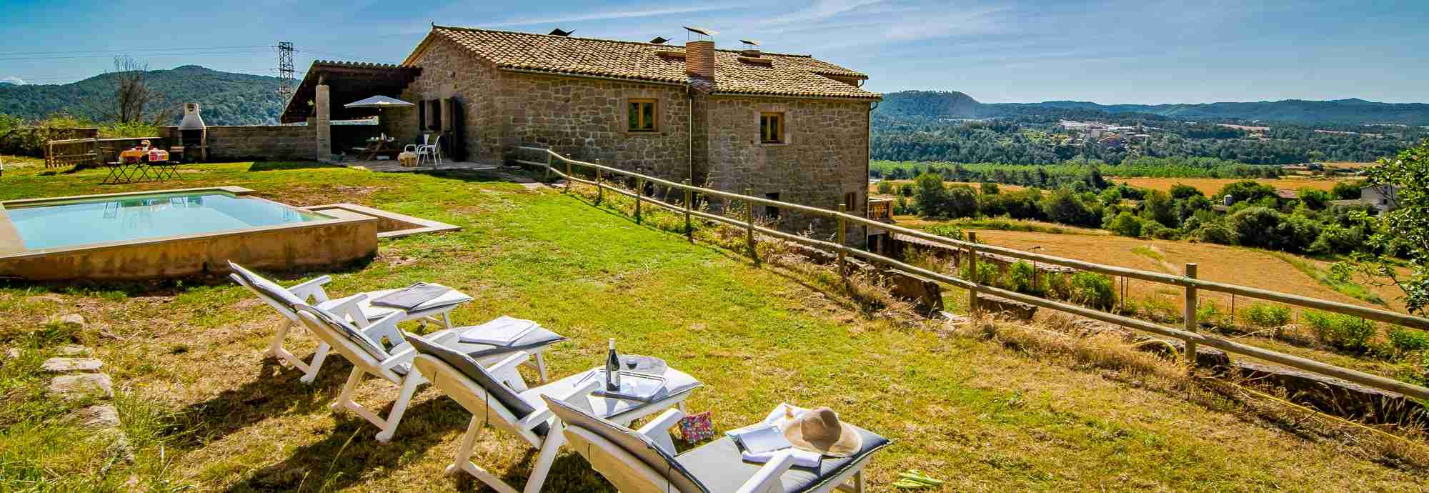 Single level 4 bed farmhouse with saltwater pool only an hour from Barcelona