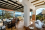A wonderful large conservatory lounge / terrace