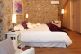 Suite Romani:  super king size bed with ensuite bathroom (walk-in shower)