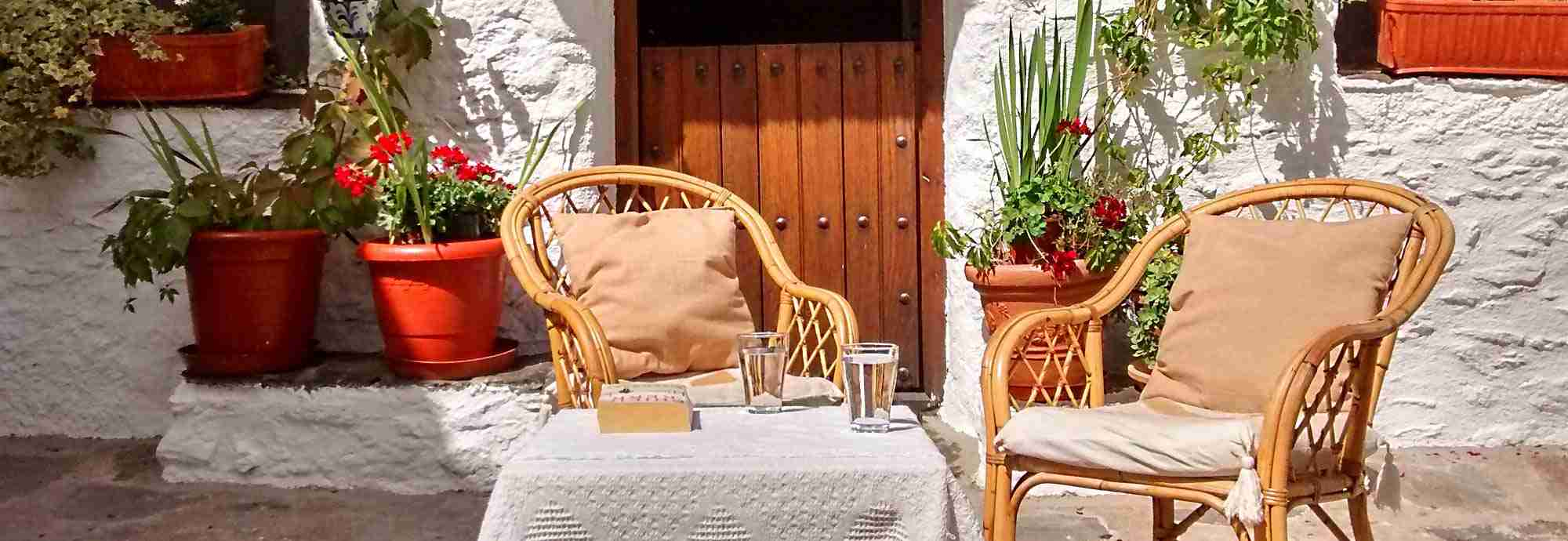 Traditional holiday cottage near Capileira square and walking paths