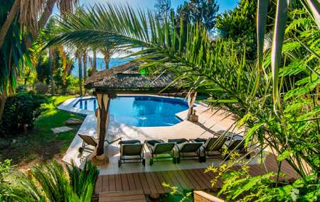 Villas with Heated Pools: A Long Swimming Season